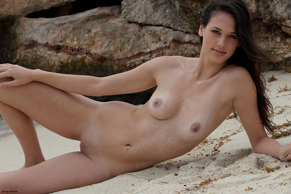 Belle cougar massage sensuel Bron ➱ Lina, 70 ans